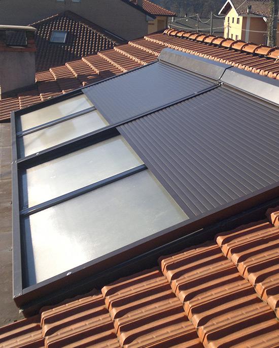 Tapparella elettrica per impianti solari for Finestre per abbaini