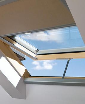 Produzione e vendita finestre per tetti for Finestre per abbaini